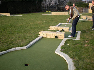 Mini-Golf in Motspur Park, London