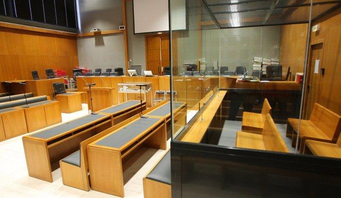 syndicat avocat citoyen nicole girerd du tribunal de grande instance de nanterre est en charge. Black Bedroom Furniture Sets. Home Design Ideas