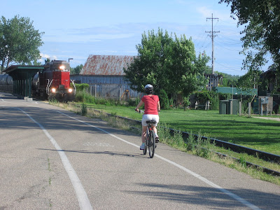Image of bicyclist on the Burlington Bikeway in Vermont