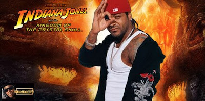 "Jim Jones ajuda seu ""irmao"" Indiana Jones"