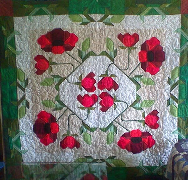 Scrappyblue Quilts The Poppy Quilt Is Finished