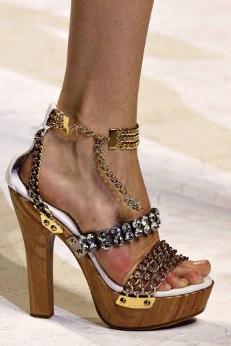 d2a364045 Zapatos Gucci De Dama | The Art of Mike Mignola