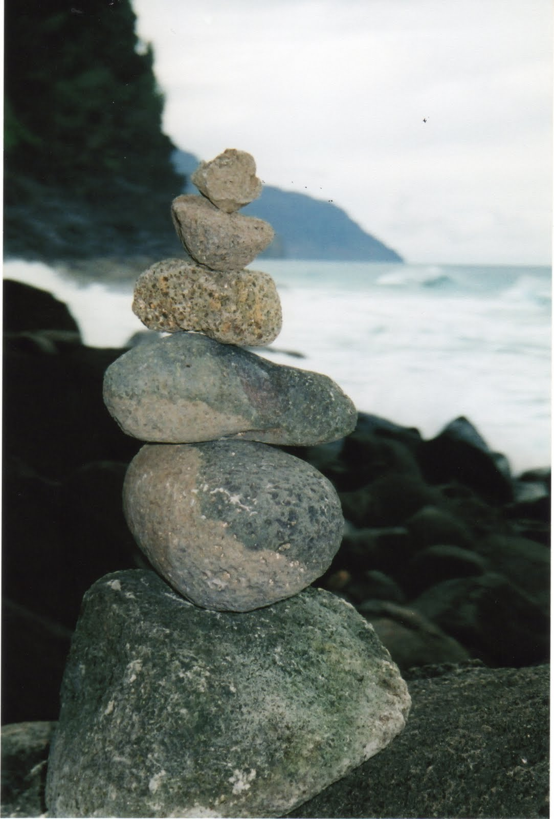 Sharon's Souvenirs: The story of stacked rocks continues...