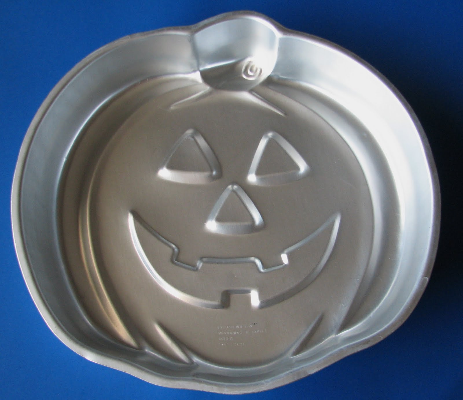 Skull Cake Baking Pan - The Green Head  |Halloween Baking Pans