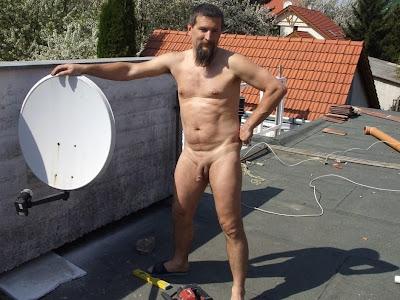 Cake decorating with naked man