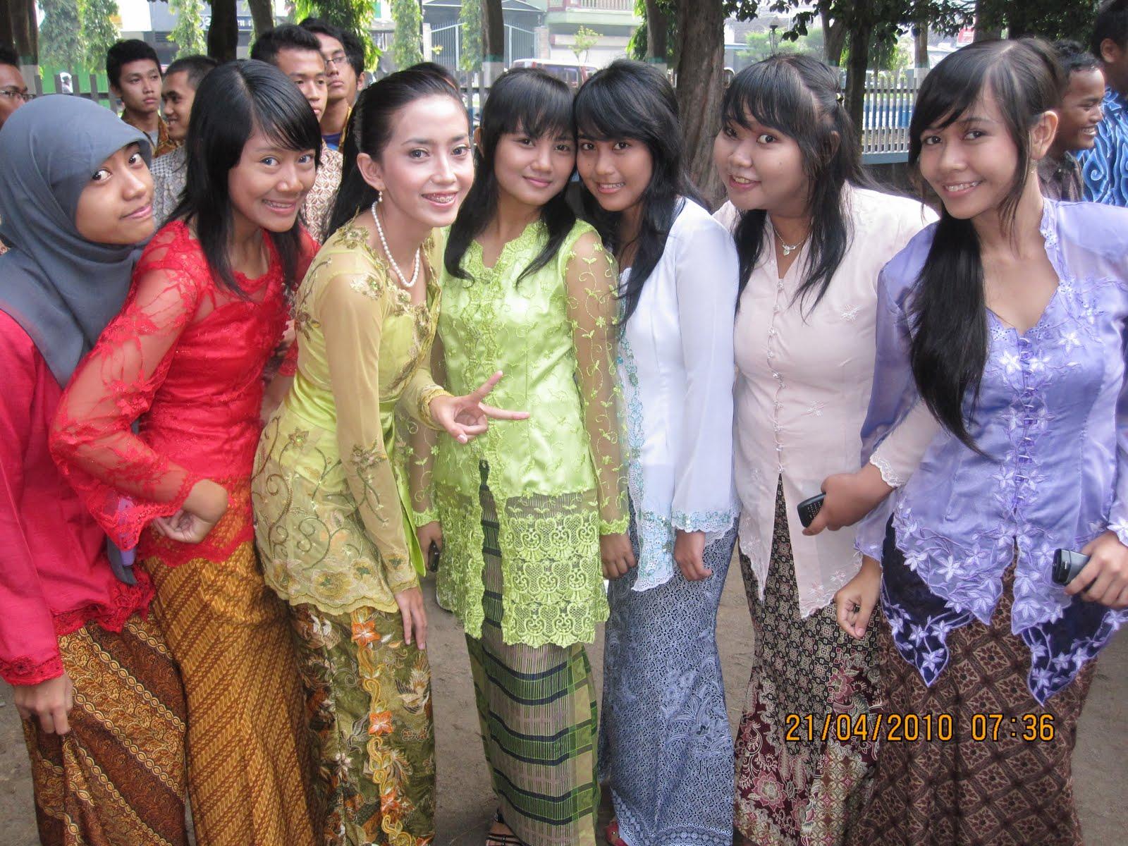 Vederation Sebelas Ipa TigaSMASA MADIUN Kartini Days