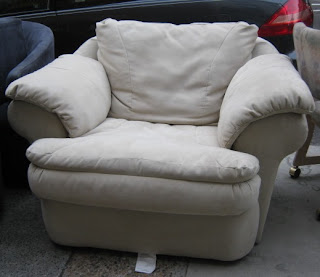 Uhuru Furniture & Collectibles: December 2009