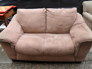 Fantastic Uhuru Furniture Collectibles Tan Microfiber Loveseat Sold Andrewgaddart Wooden Chair Designs For Living Room Andrewgaddartcom