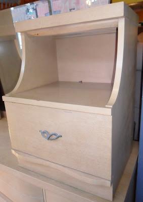 Uhuru Furniture & Collectibles: 1950s Bedroom Set SOLD