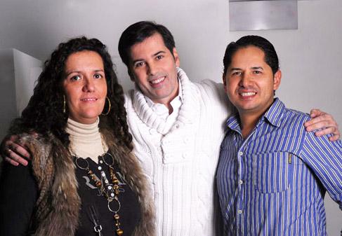 Sesión Fotográfica con el  magnifico Interprete Juan Losada. En la Prestigiosa Gallery de Madrid  con el apoyo estético de la genial Lorena Morlote. (Ver Fotos)