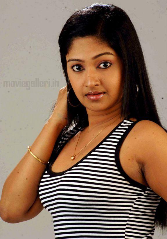 http://2.bp.blogspot.com/_kLvzpyZm7zM/S7cb-t8iMbI/AAAAAAAAIyc/UwF4di51FeM/s1600/Actress-Mithra-Hot-Stills-pictures-08.jpg