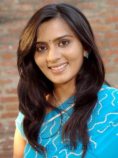 Vaada Poda Actress Yashika Stills Tamil Actress Yashika
