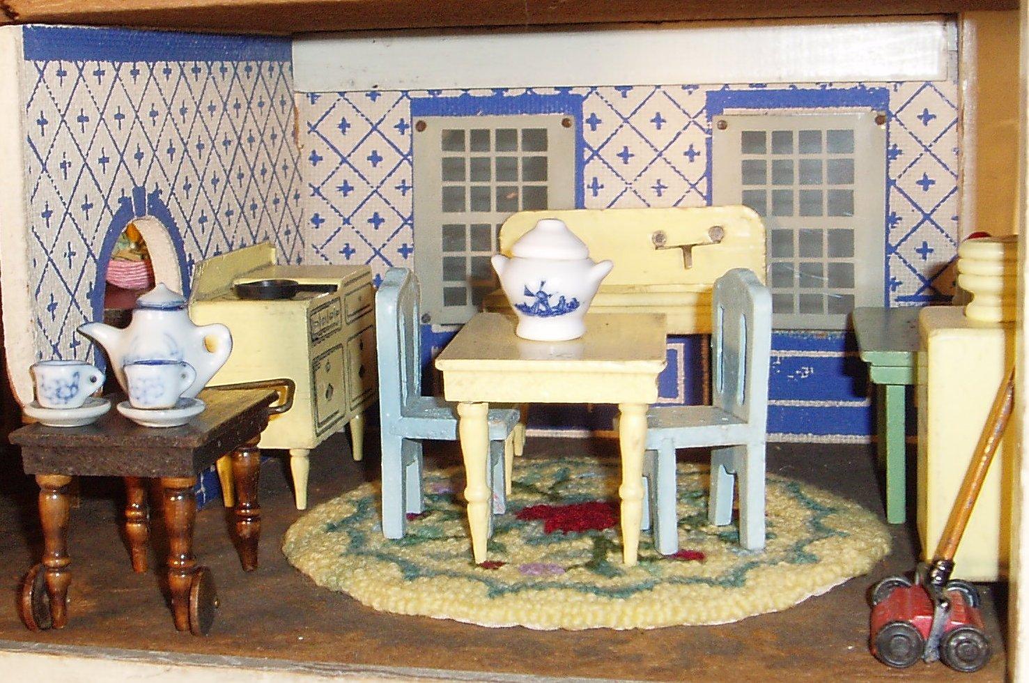 my vintage dollhouses schoenhut versus converse