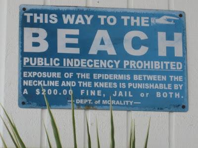 Beach Rules sign