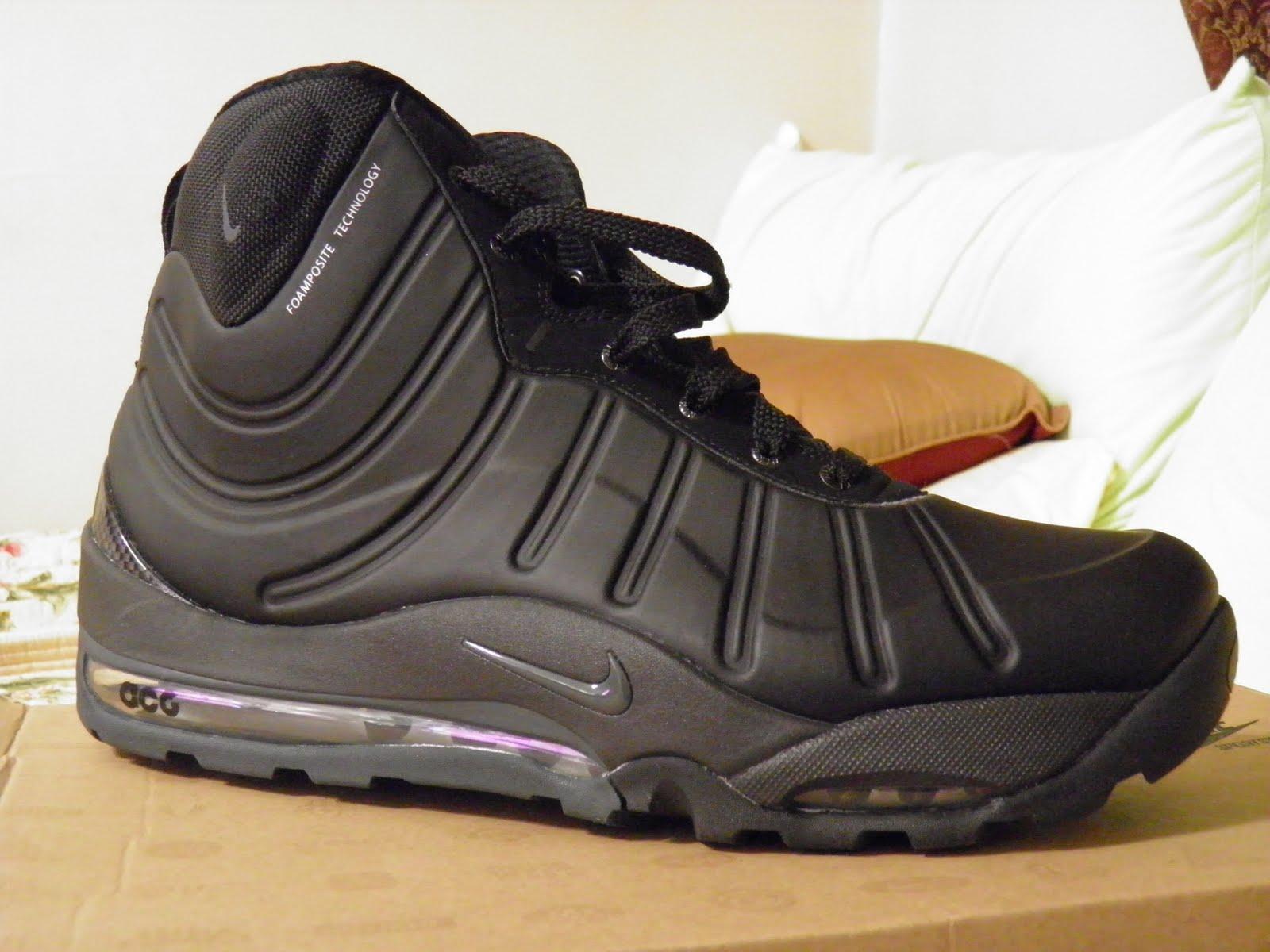 ecf2071adf98f nike foamposite boots black