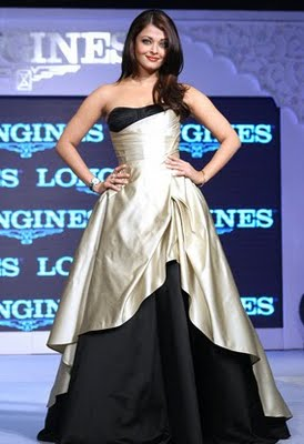 Aishwarya hot pictures from the new Ramp walk. #Aishwarya