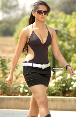 Anushka+Sexy+Photos-6