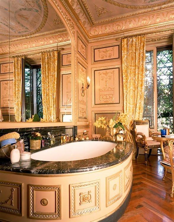 bittersweet vogue donatella versace 39 s house. Black Bedroom Furniture Sets. Home Design Ideas