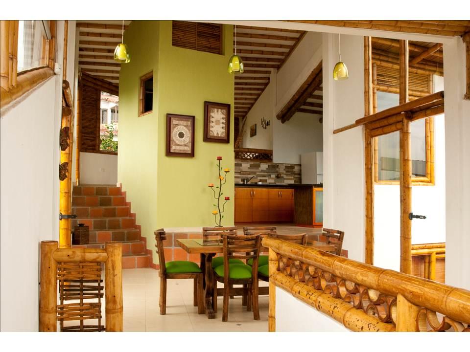 Bambu guadua casas con dise os biclim ticos y vanguardistas for Muebles de bambu y mimbre