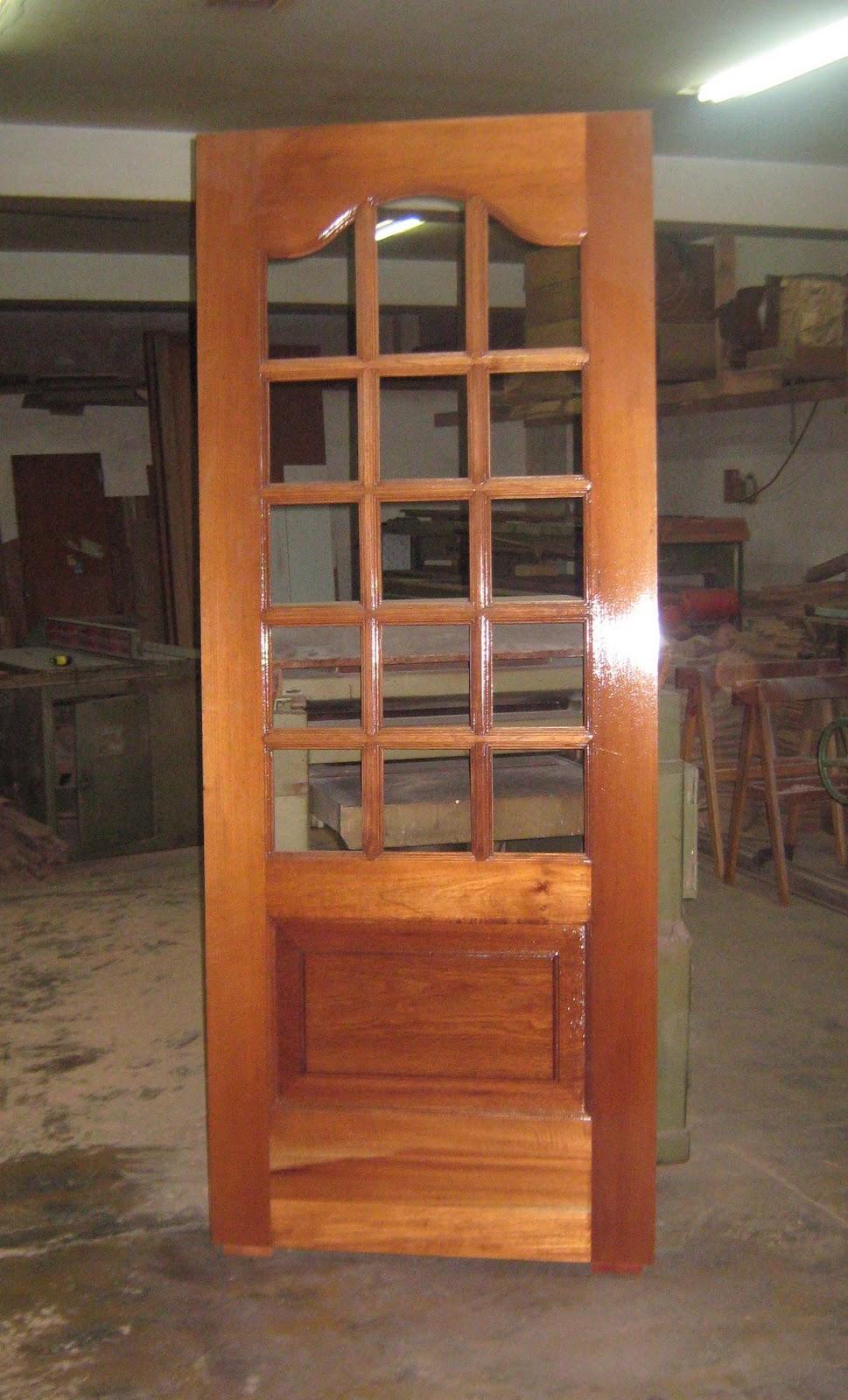 ebanist Puertas paneladas con vidrio repartido