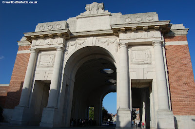 Art and architecture mainly anzac day 2009 longstaff in ypres the menin gate ypres freerunsca Image collections