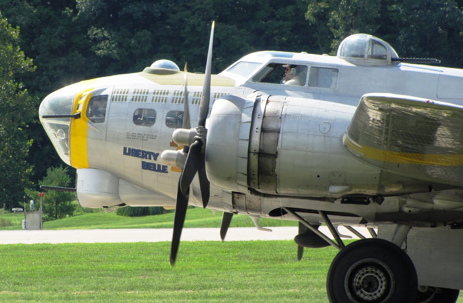 "Taxi Springfield Mo >> Out and About the Midwest: B-17 ""Liberty Belle"" Makes Weekend Stop at Spirit of St. Louis ..."