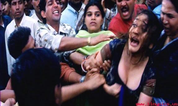 Bollywood boobs press