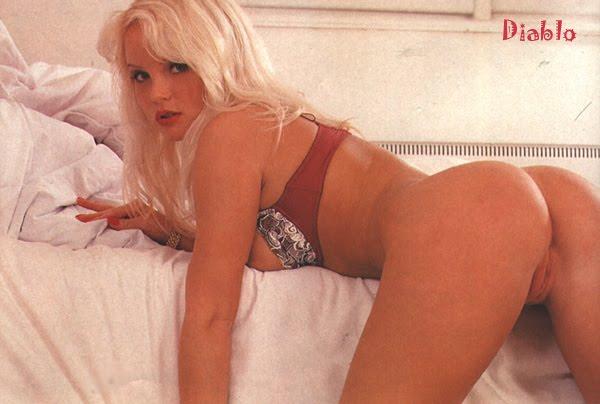 Silvia Saint Ass 52