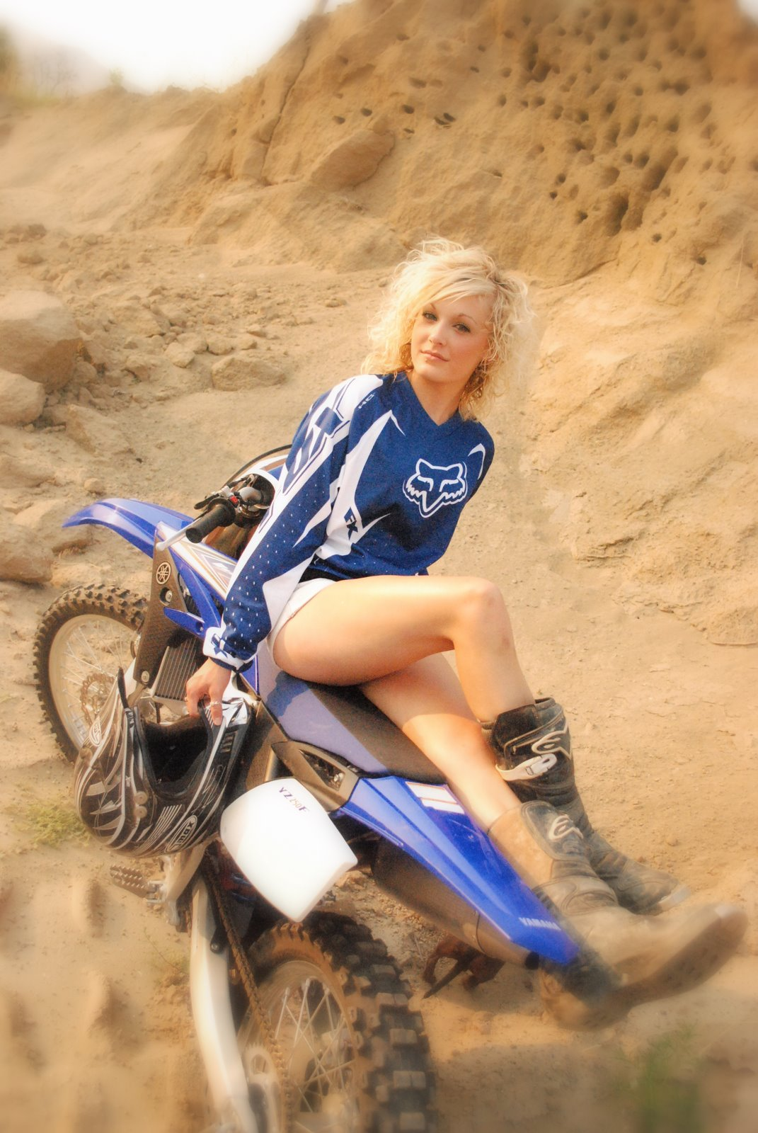 Girls dirt naked bikes on