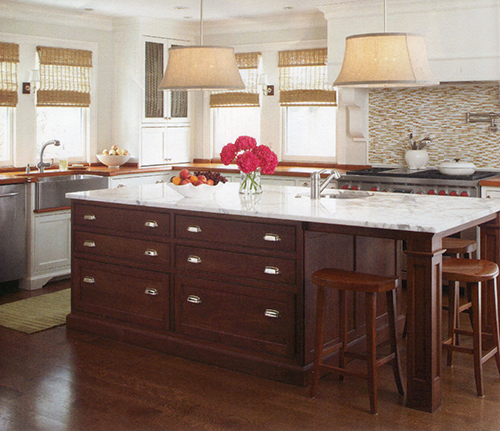 A Dream House For Trish: Contrasting Kitchen Island