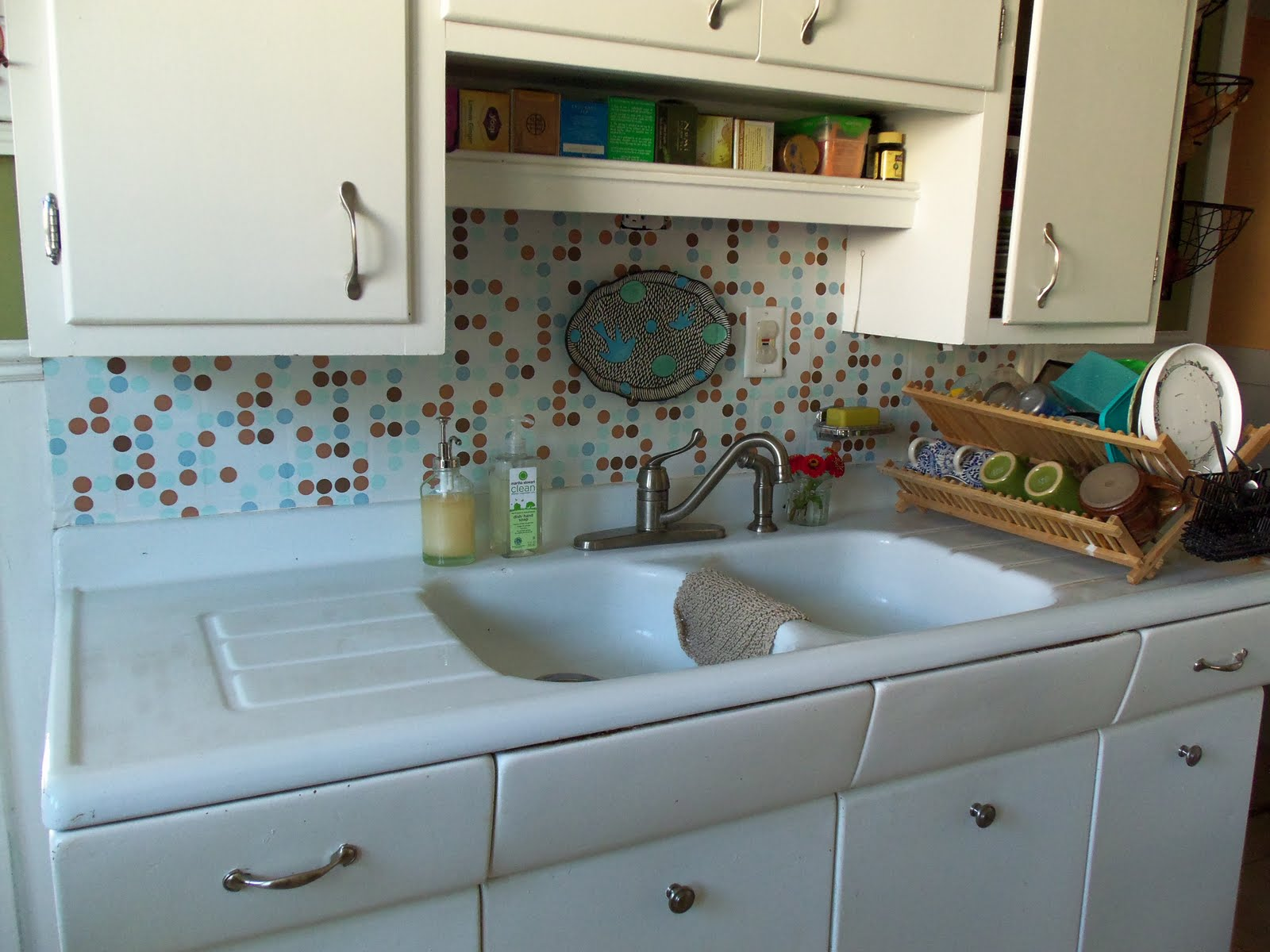 Remodelaholic | Quick and Painless Backsplash Makeover