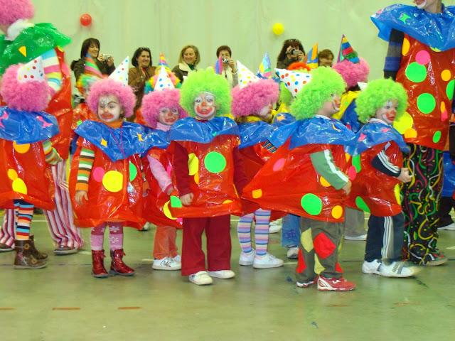 Disfraz de payasos de circo con bolsa de basura