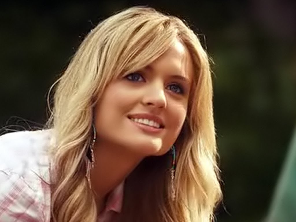 hot blonde girl in grown ups 2