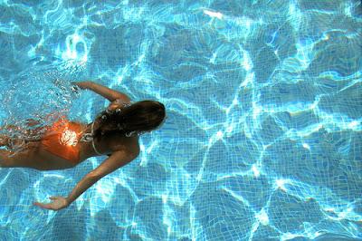 nadando se puede adelgazar con
