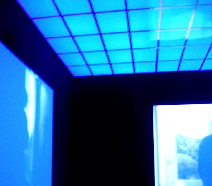 Yopopolin  reflections La habitacin azul