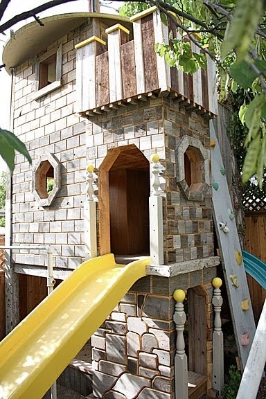 Condo Blues Coolest Castle Tree House From Repurposed Wood