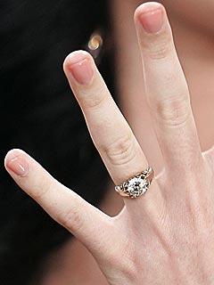 S.N.R: Celebs Engagement Rings..