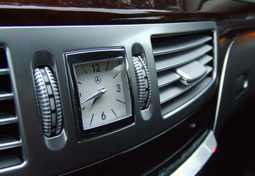 Amazing Analog Clocks On Luxury Cars Dashboard Oldshotsworld