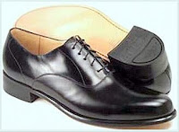 a988dc1b1 Os sapatos dos nossos parlamentares devem brilhar mais que as ` barrigas  inchadas e verminadas` das nossas crianças famintas... Acredite se quiser.