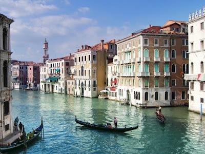 canales-de-venecia-italia
