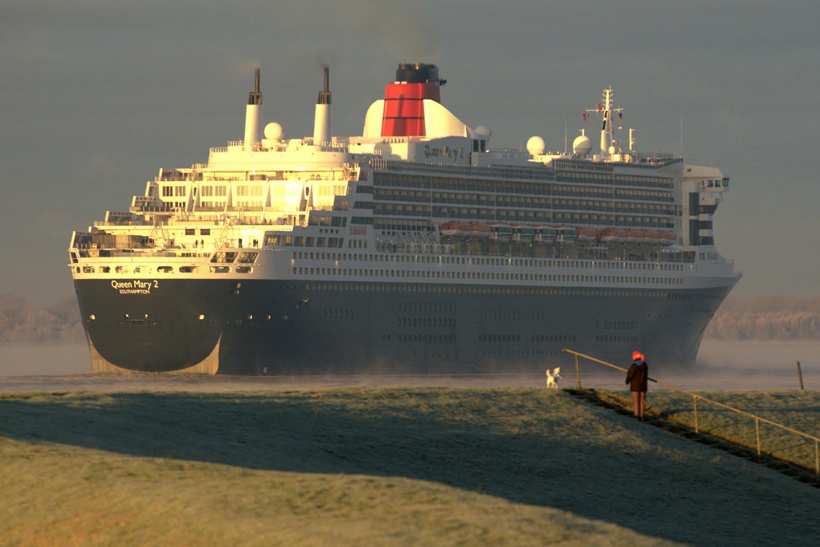 HAWSEPIPER: The Longest Climb: Bad bunker design: cruise ships