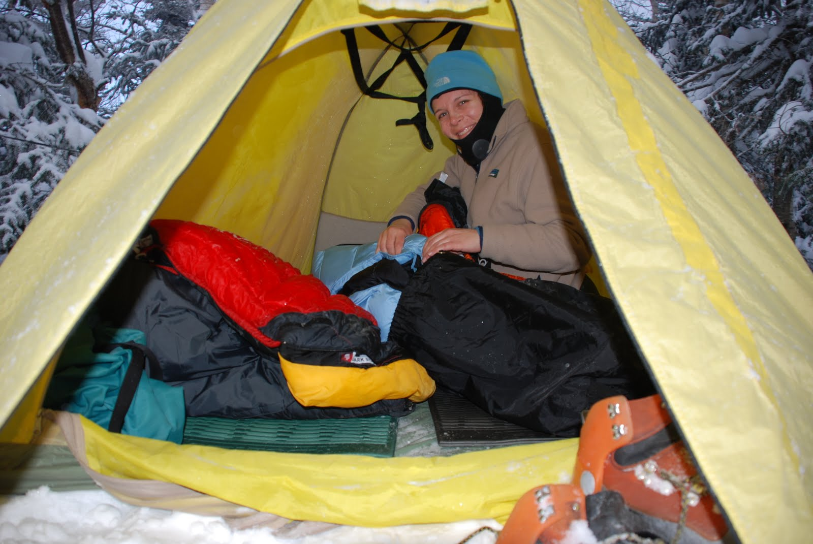 4b3bdacefa0 Snug up with the right sleep system for winter camping - Appalachian ...