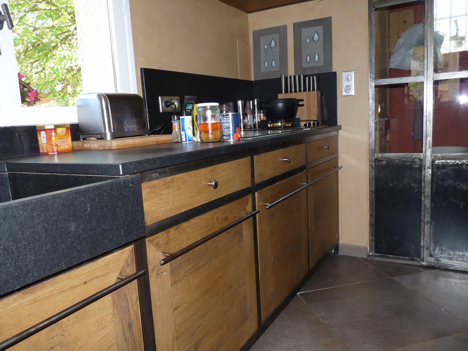 cuisine bois et metal noir. Black Bedroom Furniture Sets. Home Design Ideas
