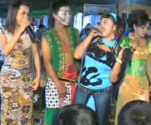 Karaoke didi kempot di solo