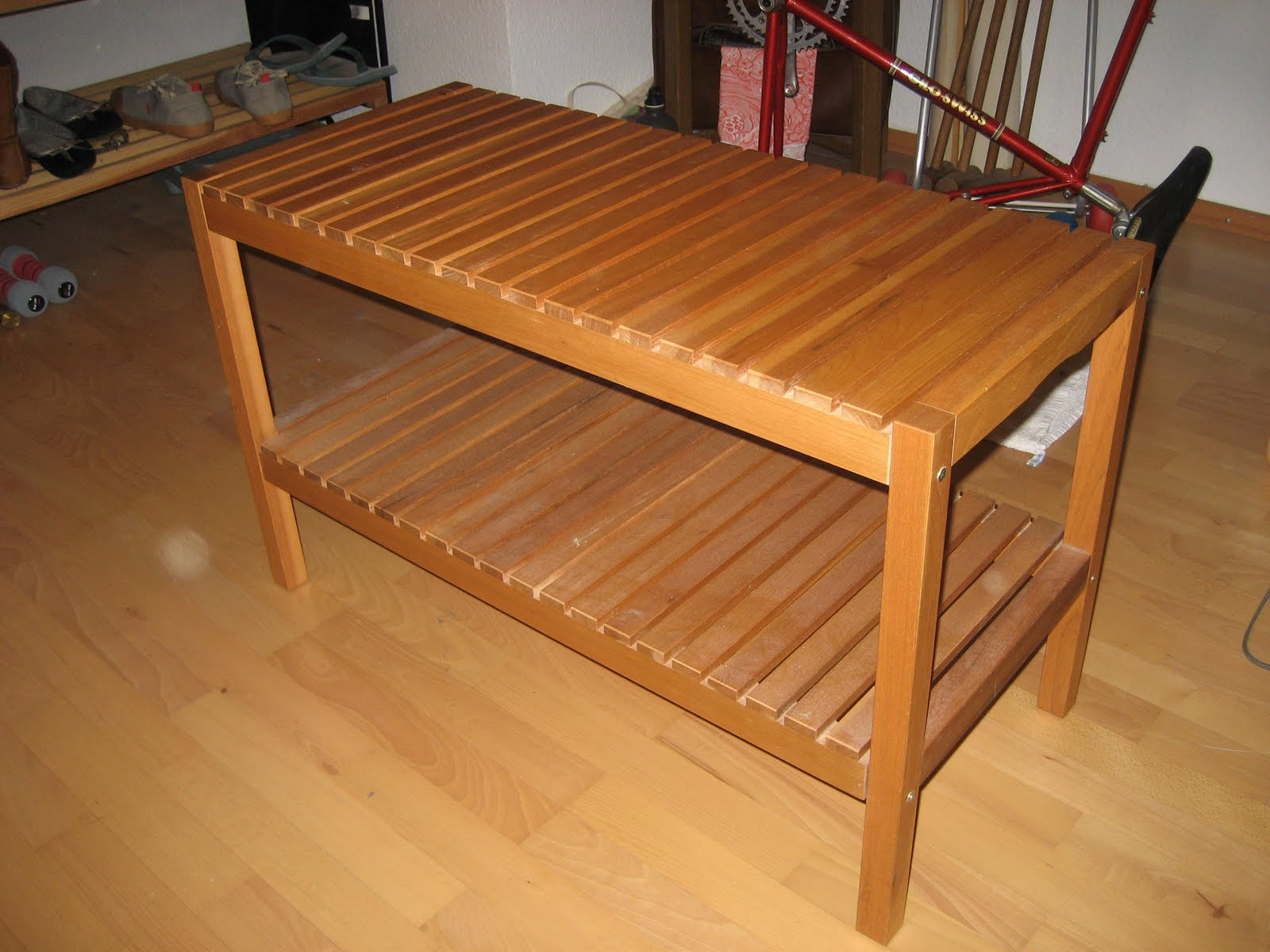 zu verkaufen ikea molger bench shelf 15 sold. Black Bedroom Furniture Sets. Home Design Ideas
