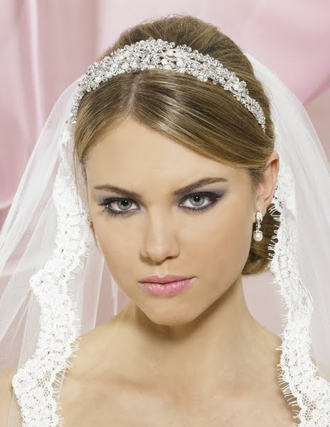 Here are a few google images of a veil and headband 92c32ec3a20
