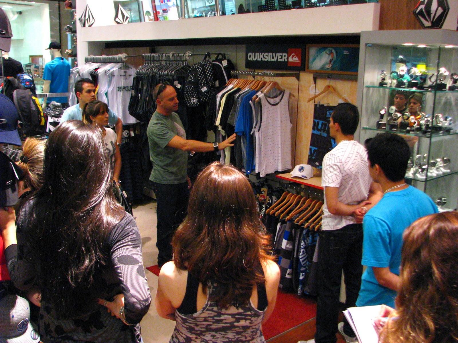De 10 lojas no Brasil a loja Sunpeak Surf e Skate do Shopping Center Vale  foi a escolhida no Vale do Paraíba para ser a sede do CORNER da QUIKSILVER  E ROXY 0bad2db7ab