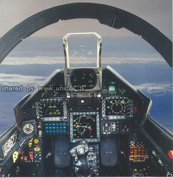 fighter_jet_cockpits_640_14.jpg (584×600)