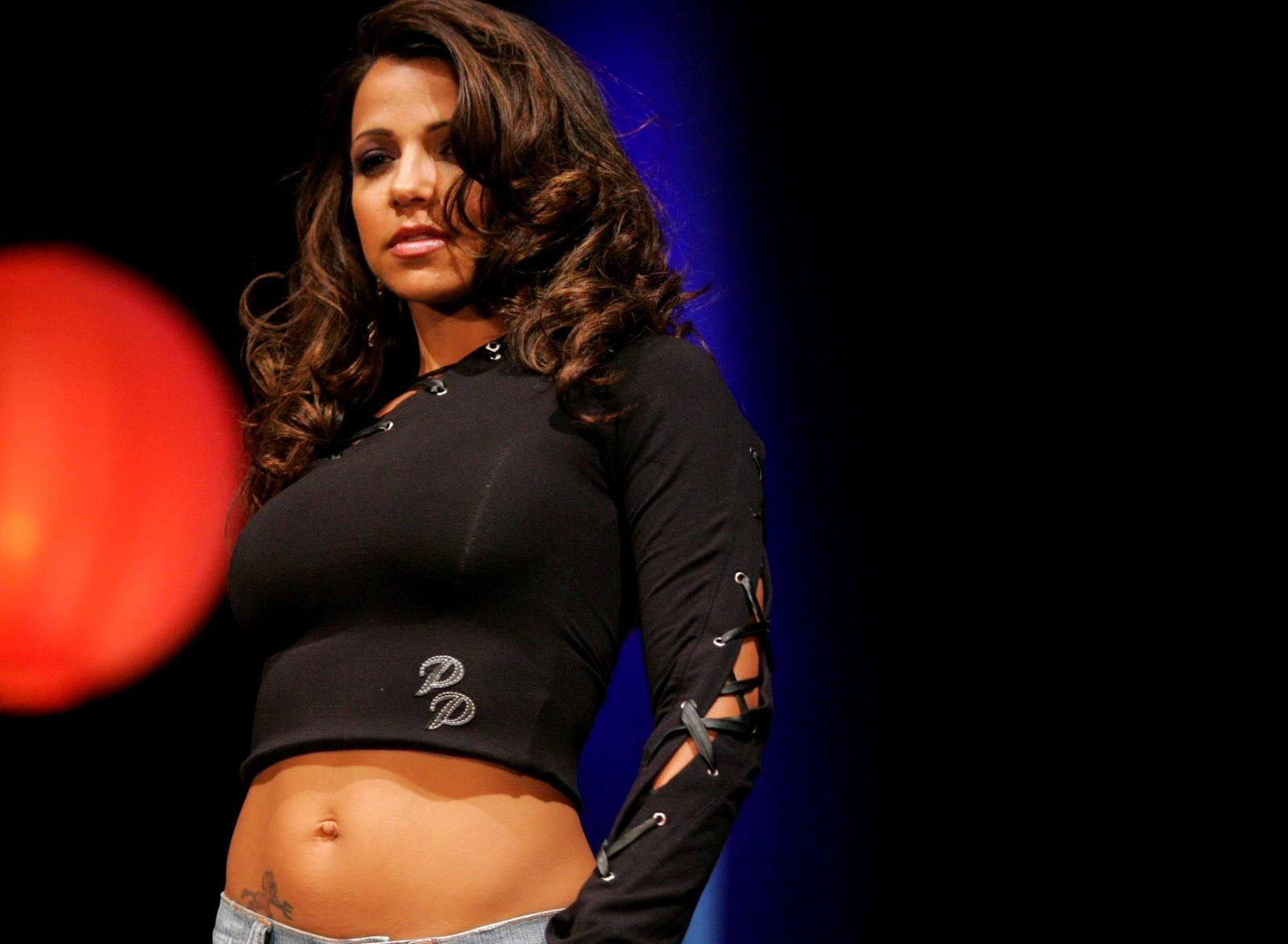 Vida Guerra attends the 19th annual Latin GRAMMY Awards at MGM Grand News Photo - Getty Images