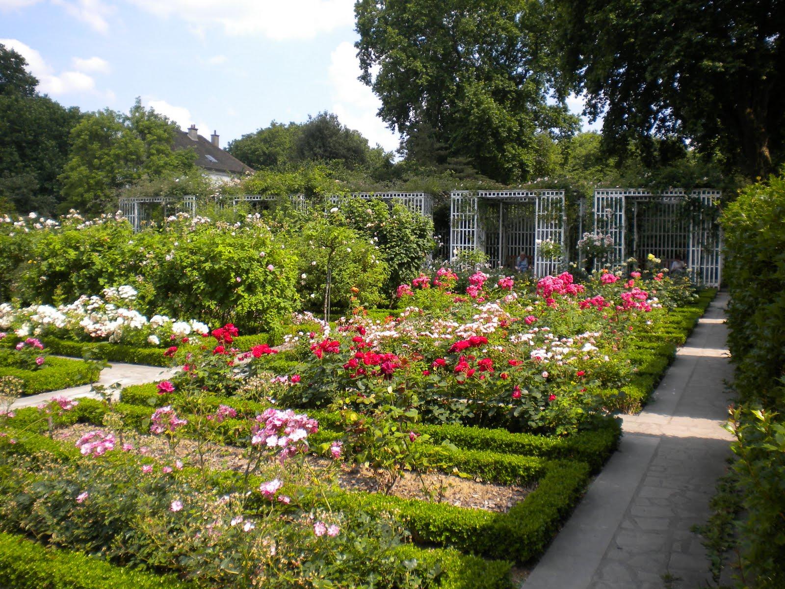 Walk parks gardens unusual places south of paris pub new europe weekend travel for Jardin yitzhak rabin